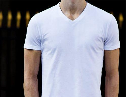 Manches coures du T-shirt col V blanc de GoudronBlanc