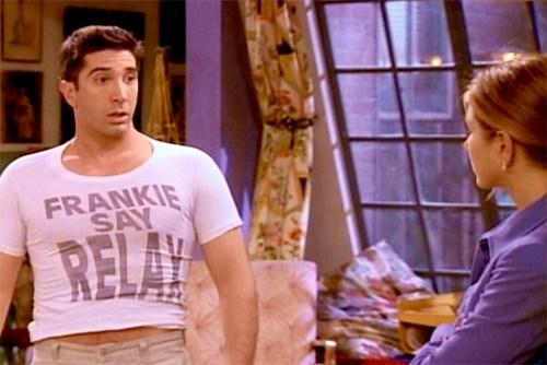 Ross de la série Friends dans un T-shirt trop petit