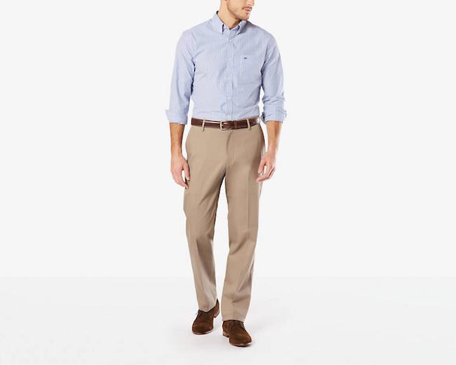 Le chino regular : une coupe droite, un pantalon ample