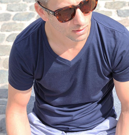 La marque belge, Wolk, propose des T-shirts en laine (80%) et nylon (20%)