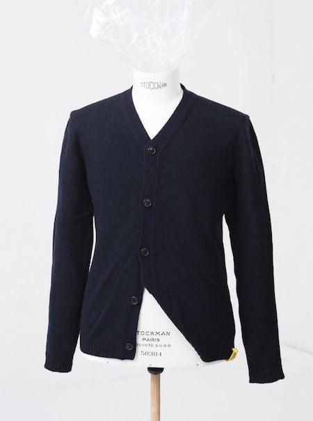 Cardigan bleu marine de la marque John Sterner