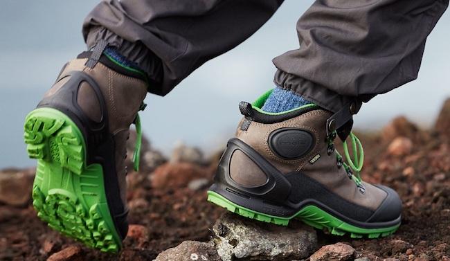 Chaussures de marche montantes