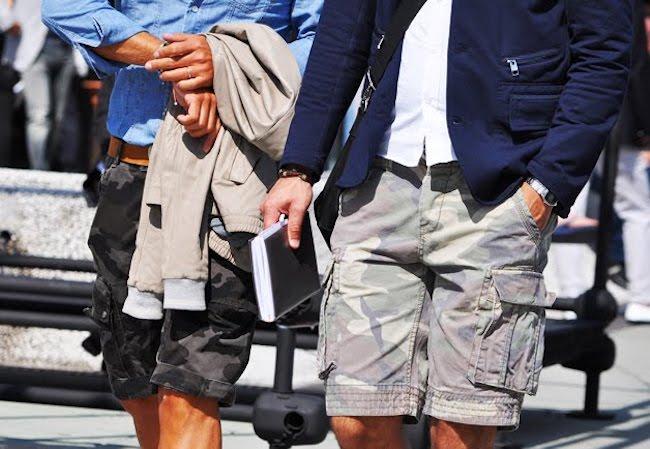 Le short cargo donne une vraie touche streetwear, même avec un blazer (Pitti Uomo)
