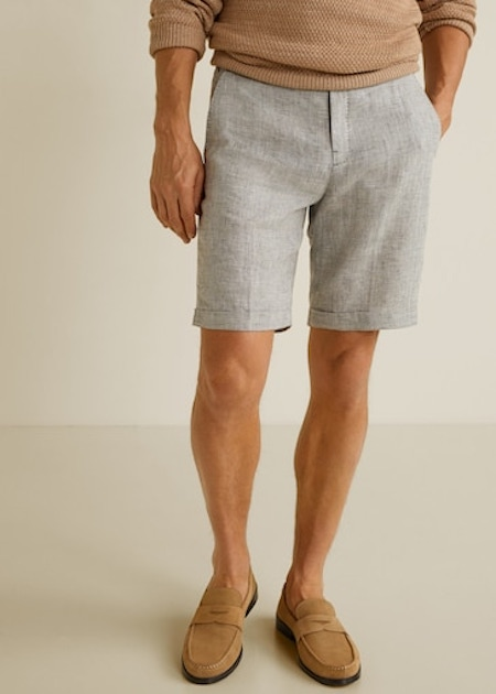 Le short en lin est parfait pour ajouter du contraste à une tenue (Mango)
