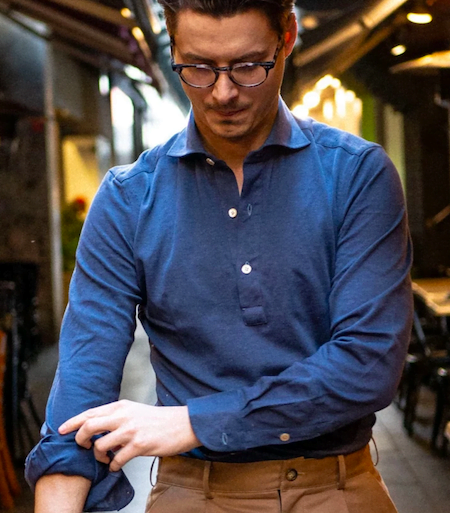 Polo bleu style chemise pour homme
