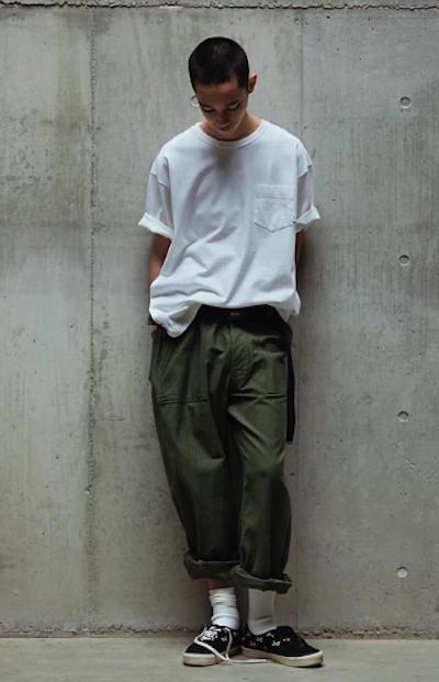 T-shirt blanc oversize - Rappel de couleur
