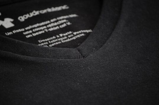 T-shirt col V noir carbone - Coton bio
