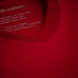 T-shirt col V rouge cardinal en coton bio
