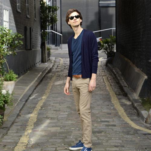 T-shirt bleu minéral col V pour homme - Guerric de Ternay