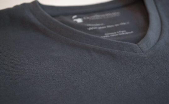 T-shirt en coton bio gris anthractice