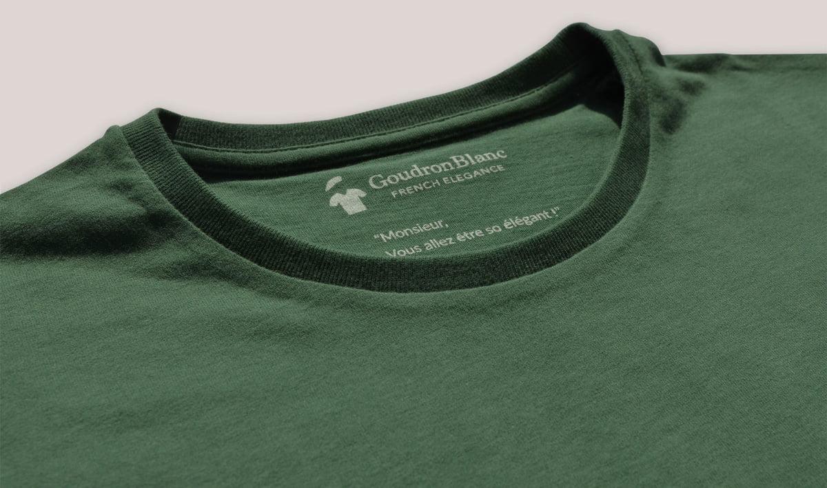 Col rond du T-shirt vert arolle GoudronBlanc